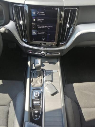 VOLVO XC60 D4 AWD MOMENTUM AUTOMATICA