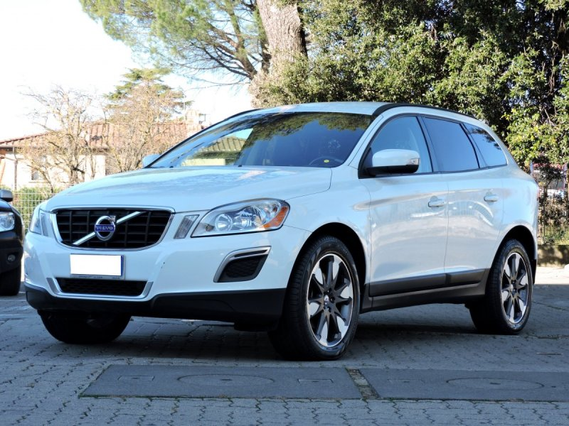 volvo xc60 d3 awd kinetic limited ed automatica xc60 volvo peragnoli scar concessionaria. Black Bedroom Furniture Sets. Home Design Ideas